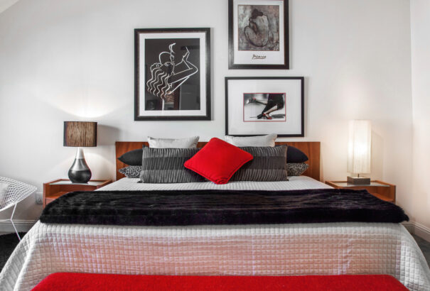 modern interior designer elegant bed with picasso wall paintings 4