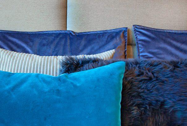 modern interior design elegant pillows